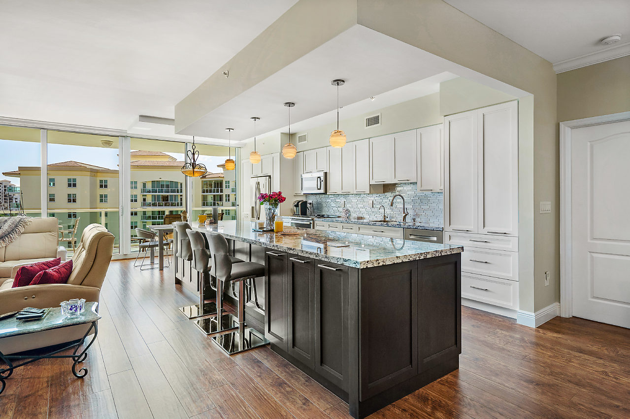 500 SE Mizner Blvd, #A801 Boca Raton FL 33432 Townsend Place Kitchen picture1