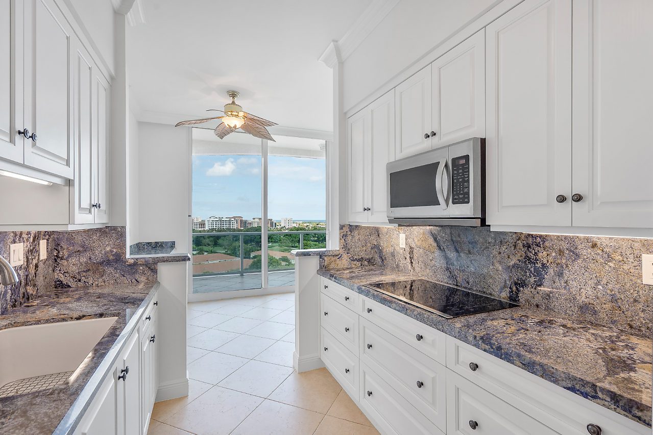 500 SE Mizner Blvd, #PH A902 Boca Raton FL 33432 Townsend Place Kitchen area