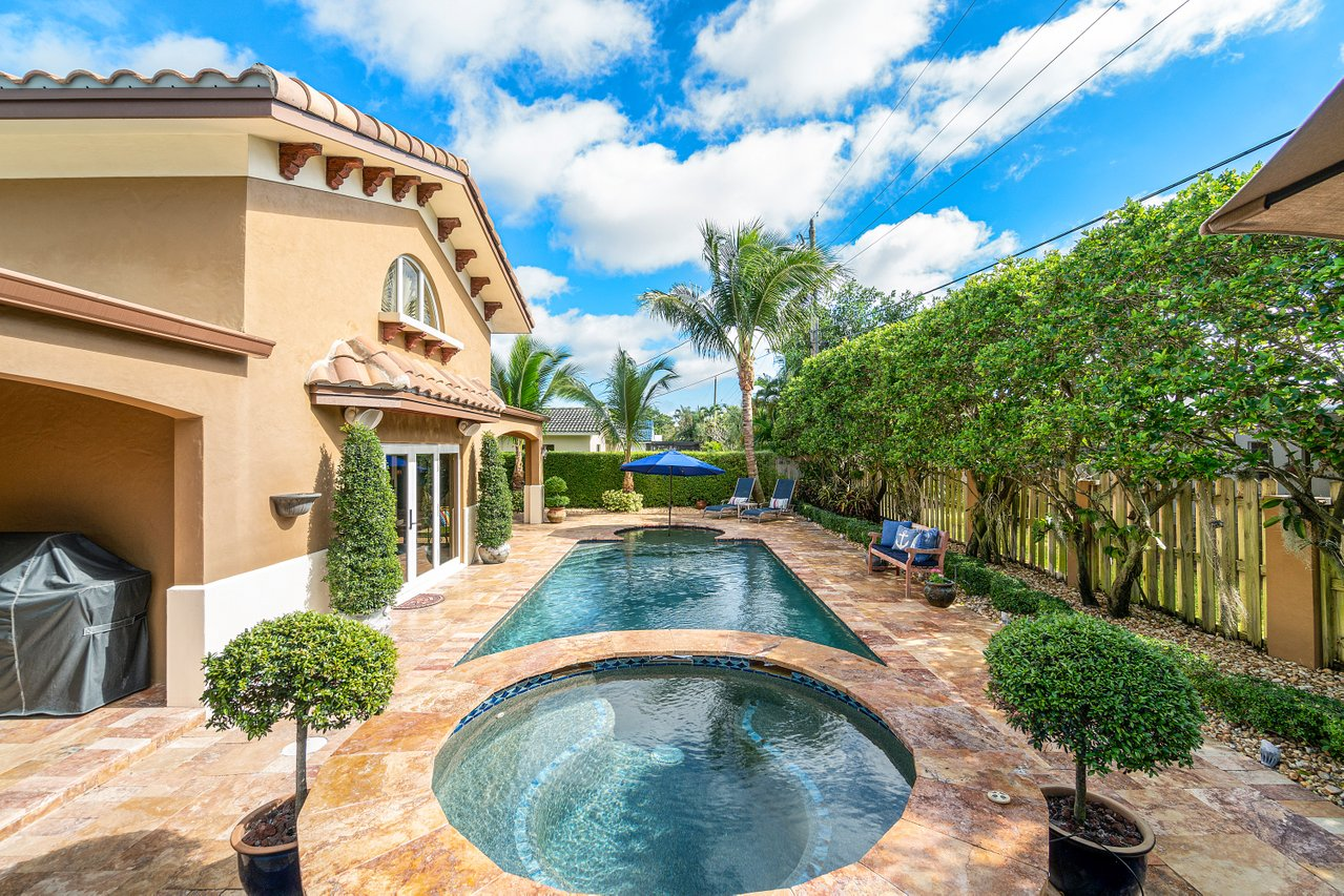 870 NW 7th Street, Boca Raton, FL 33486 Tunison Palms Pool area picture3